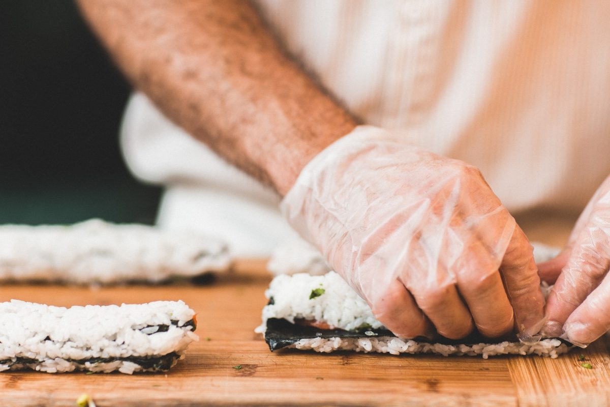 veganes sushi vegetarisch rolle essen gesund
