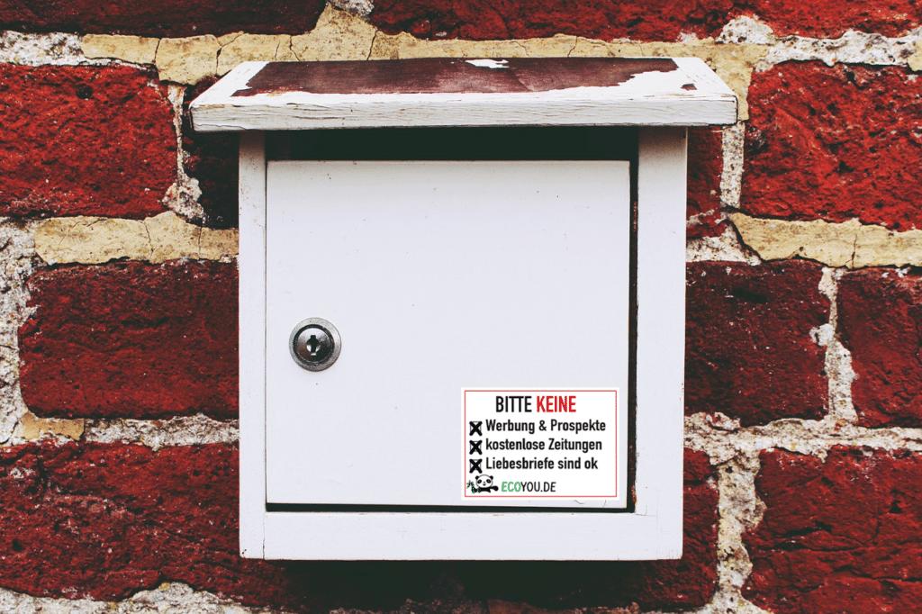 Briefkasten mit Bitte keine Werbung-Sticker von EcoYou – ZeroWaste Shop – Plastikfrei leben