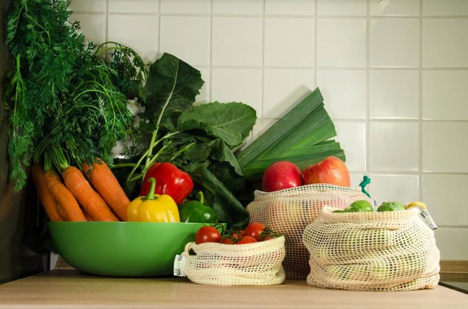 Wiederverwendbares Obst und Gemüsenetz. Obstnetz zum Einkauf von Obst und Gemüse - Einkaufsnetz aus Baumwolle von EcoYou - plastikfrei einkaufen - plastikfrei leben ohne Plastik
