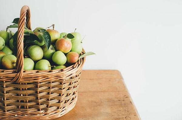 Unverpackt Einkaufen – Holzkorb zum Einkaufen – Leben ohne Plastik EcoYou Tipps