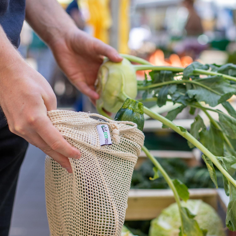 Unverpackt Einkaufen – plastikfrei Einkaufen Leben ohne Plastik Wochenmarkt Gemüsenetz Einkaufen mit dem Gemüsebeutel