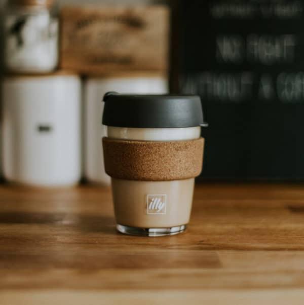 Coffee to go becher wiederverwendbar Weihnachtsgeschenk sinnvolle Geschenke Nachhaltig Geburtstag EcoYou Kaffee Blog Tipps plastikfrei Leben ohne Plastik