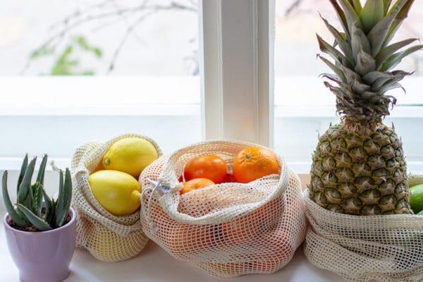 Plastikfrei und Unverpackt einkaufen Leben ohne Plastik im Supermarkt Obst und Gemüsenetze von EcoYou