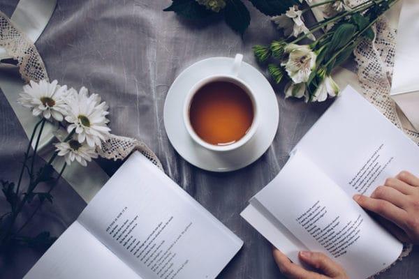 Lesen und Tee Trinken - Me Time Zeit für Mich Box Sprüche Blog EcoYou
