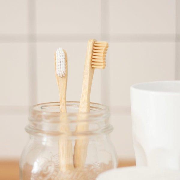 bambus zahnbürste holz zahnbürste zero waste für änfänger im badezimmer