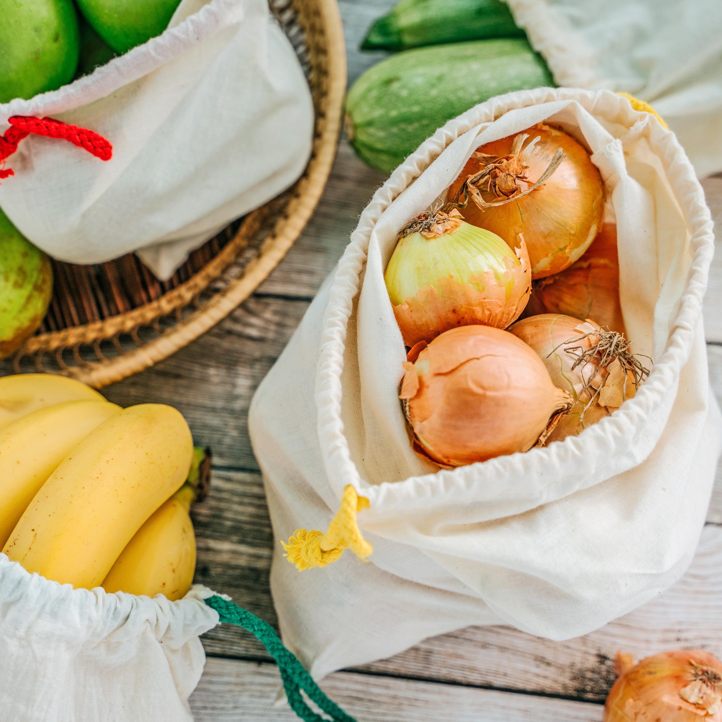Müllvermeidung Weniger Müll sparen plastikfrei Leben ohne Plastik Einkaufen mit Gemüsebeutel