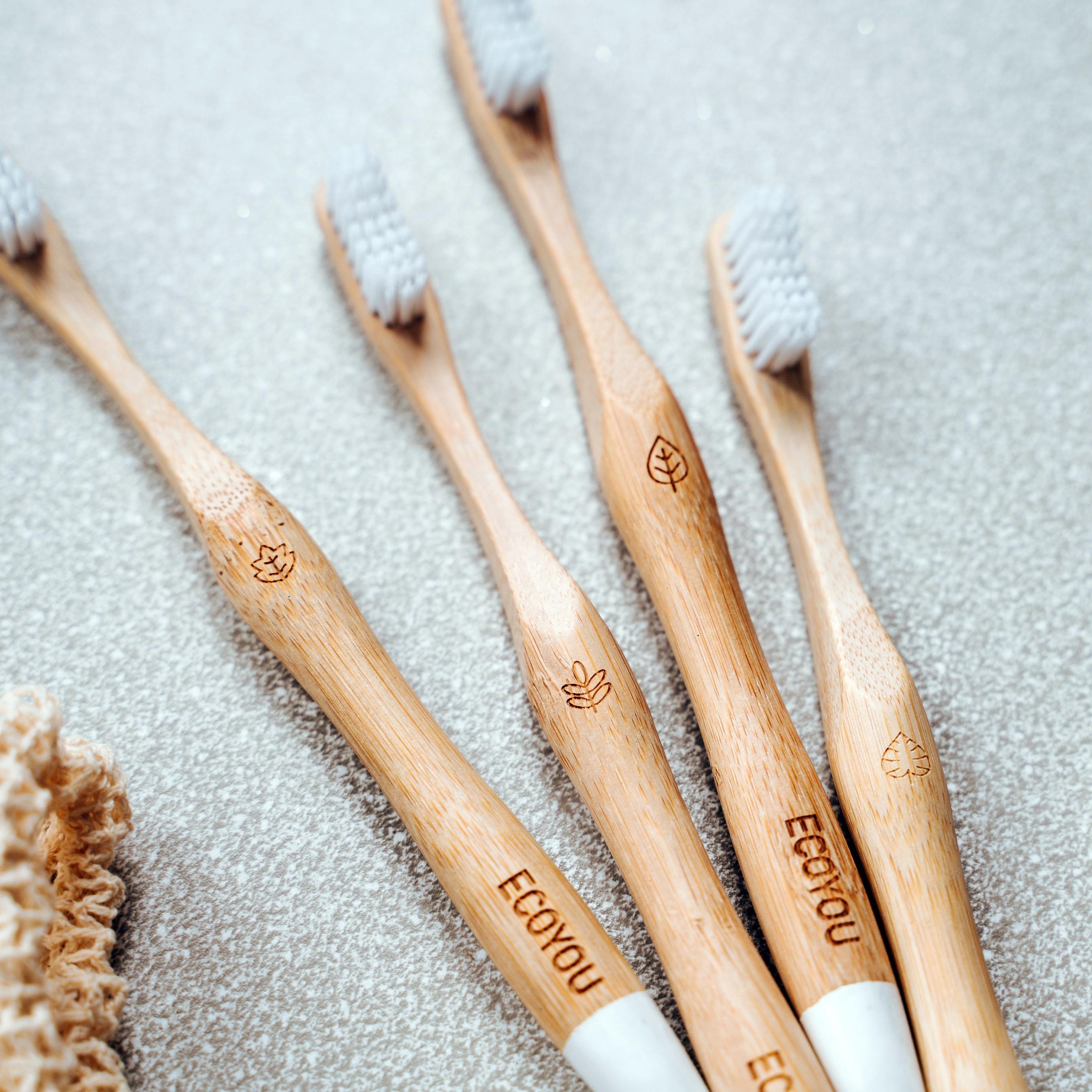 Bambus Zahnbürste von EcoYou Grundausstattung Zero Waste Müllfrei Nachhaltig