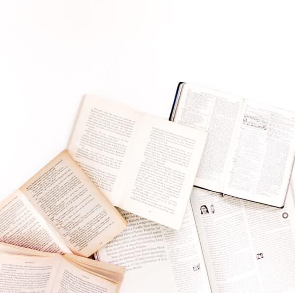 Auch Bücher eignen sich ideal als Geschenk